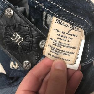 Miss me jeans. Size 24 with 32 in inseam!